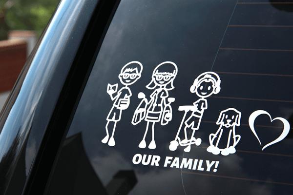 Décore ta voiture avec un sticker personnalisé de ta famille!